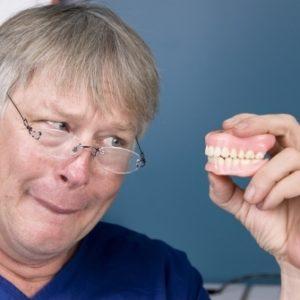 vor-der-zahnimplantation-335x335-300x300